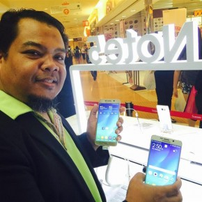 holding note5